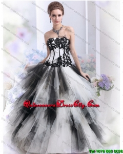2021 Pretty White and Black Strapless Quinceanera Dresses with Appliques
