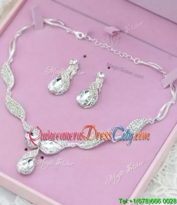 Gorgeous Rhinestoned and Beaded Jewelry Set for Ladies