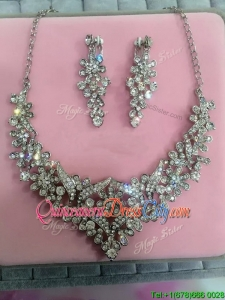 Hot Sale Silver Jewelry Set with Flower Shaped Rhinestone