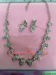 Popular Jewelry Set with Flower Shaped Rhinestone and Alloy