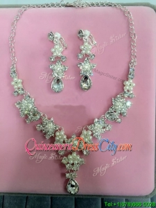 Popular Rhinestoned and Imitation Pearls Jewelry Set in Wedding