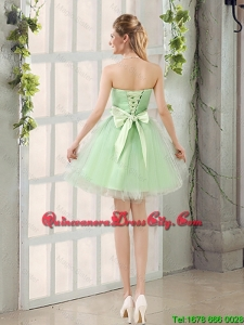 2020 Summer Cheap A Line Sweetheart Lace Up Dama Dresses in Apple Green