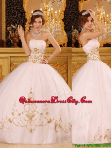 2020 Beautiful White Strapless Quinceanera Dresses with Appliques
