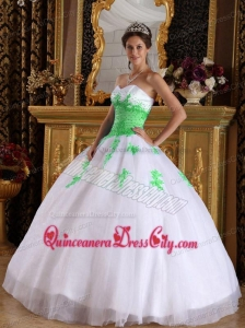 Ball Gown Sweetheart Appliques Quinceanera Dress in White and Spring Green