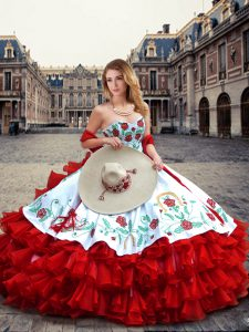 Floor Length White And Red Vestidos de Quinceanera Organza and Taffeta Sleeveless Embroidery and Ruffled Layers