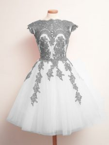 Lovely White Scalloped Neckline Appliques Quinceanera Dama Dress Sleeveless Lace Up