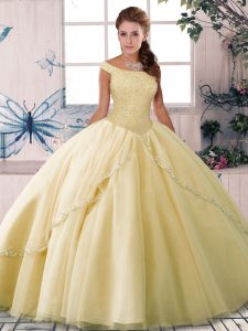 Inexpensive Off The Shoulder Sleeveless Brush Train Lace Up Sweet 16 Dresses Yellow Tulle