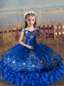 Royal Blue Lace Up Off The Shoulder Embroidery and Ruffled Layers Little Girl Pageant Gowns Satin and Organza Sleeveless
