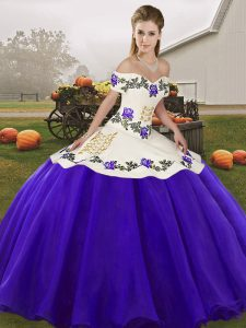 White And Purple Off The Shoulder Lace Up Embroidery Sweet 16 Dresses Sleeveless