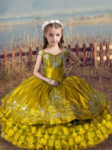Brown Off The Shoulder Lace Up Embroidery and Ruffled Layers Kids Pageant Dress Sleeveless