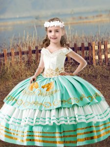 Off The Shoulder Sleeveless Little Girls Pageant Gowns Floor Length Embroidery Apple Green Satin