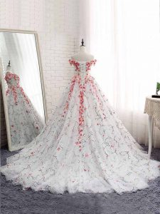Delicate White Ball Gowns Tulle Off The Shoulder Sleeveless Appliques Lace Up Quinceanera Gown Brush Train