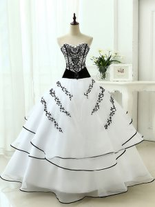Decent Sleeveless Lace Up Floor Length Beading and Appliques 15 Quinceanera Dress