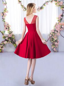 Excellent Sleeveless Satin Knee Length Zipper Vestidos de Damas in Red with Ruching