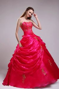 Red Appliques Strapless Floor-length Organza Sweet 15 Dresses