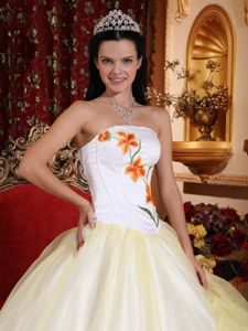 Light Yellow and White Layers Strapless Organza Embroidery Sweet 16 Dresses