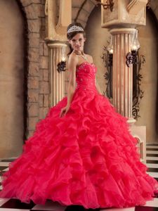 Red Beaded Organza Sweetheart Sweet 15 Dresses with Ruffles