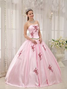 Sweet Appliqued Pink Quinceanera Dress for 15 Birthday Party