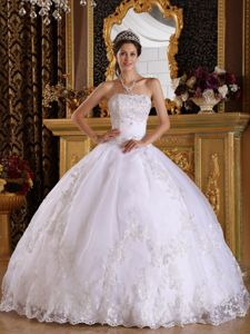 Princess White Strapless Dress for Quince Lace Decorate Floor-length