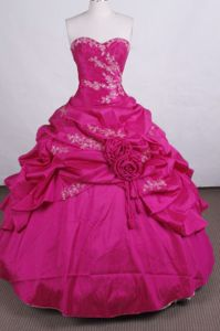 Red Sweetheart Appliques Quinceanera Gown with Beading and Hand Flowers