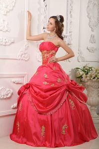 Red Ball Gown Strapless Appliques Quinceanera Dress Ruched Bodice
