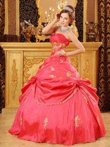 Luxurious Red Ball Gown Dress for 15 Ruche Strapless with Appliques