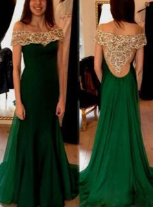 Off the Shoulder Dark Green Column/Sheath Beading and Pleated Mother of Groom Dress Side Zipper Chiffon Short Sleeves
