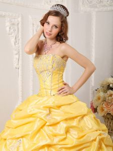 Brush Train Yellow Taffeta Quinceanera Gowns with Pick-ups 2021