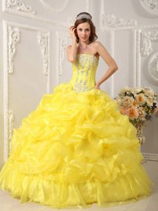 Beading Strapless Bright Yellow Appliques Sweet 16 Dresses