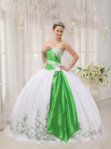 White and Green Sweetheart Sweet 16 Dresses with Embroidery 2021