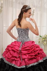 Pick ups Ruffles Zebra Quinceanera Gowns in Black and Red