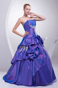 Elegant Strapless Pick Ups Appliqued Purple Dress for Quince